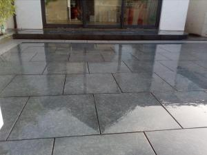 Natural stone patio paving
