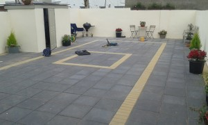 Paving slabs with border