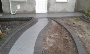 Silver granite with black border